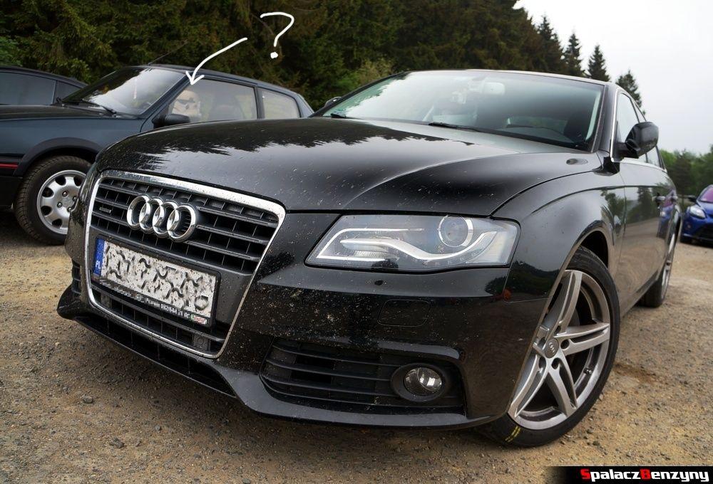 Audi A4 B8 na parkingu Nurburgring 2015