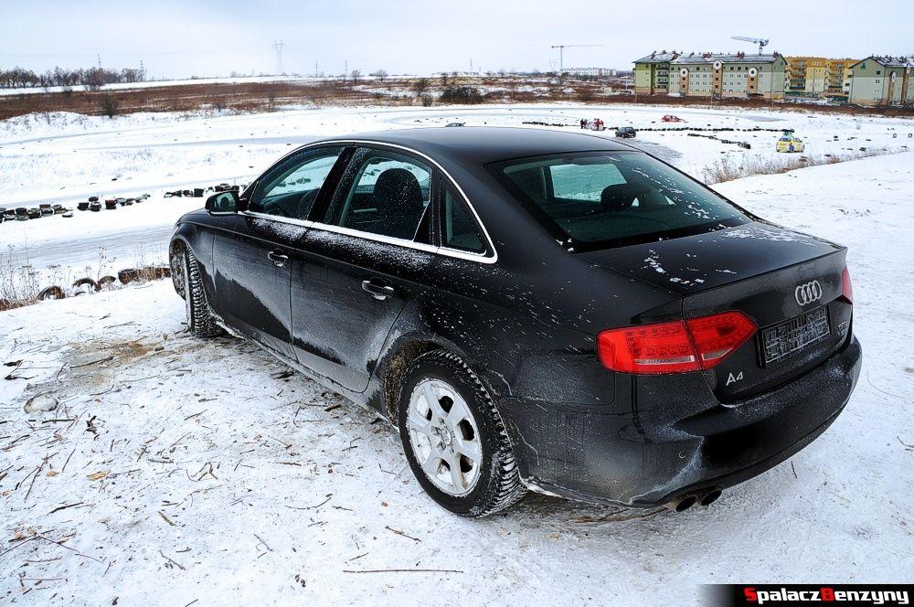 Audi A4 B8 na torze w Lublinie w zimie