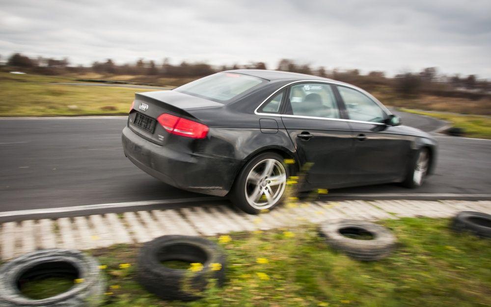 Audi A4 nawrót na Niepodległościowy Rally Sprint by Driveart 2013