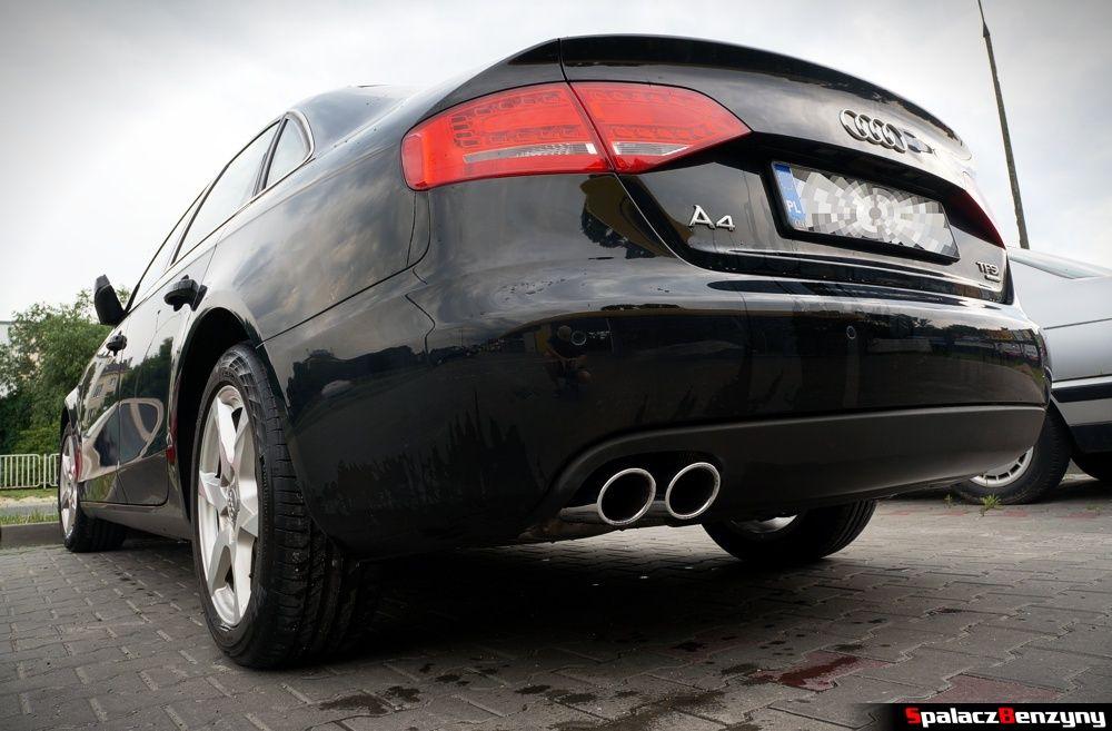 Audi A4 z chromowanymi końcówkami wydechu