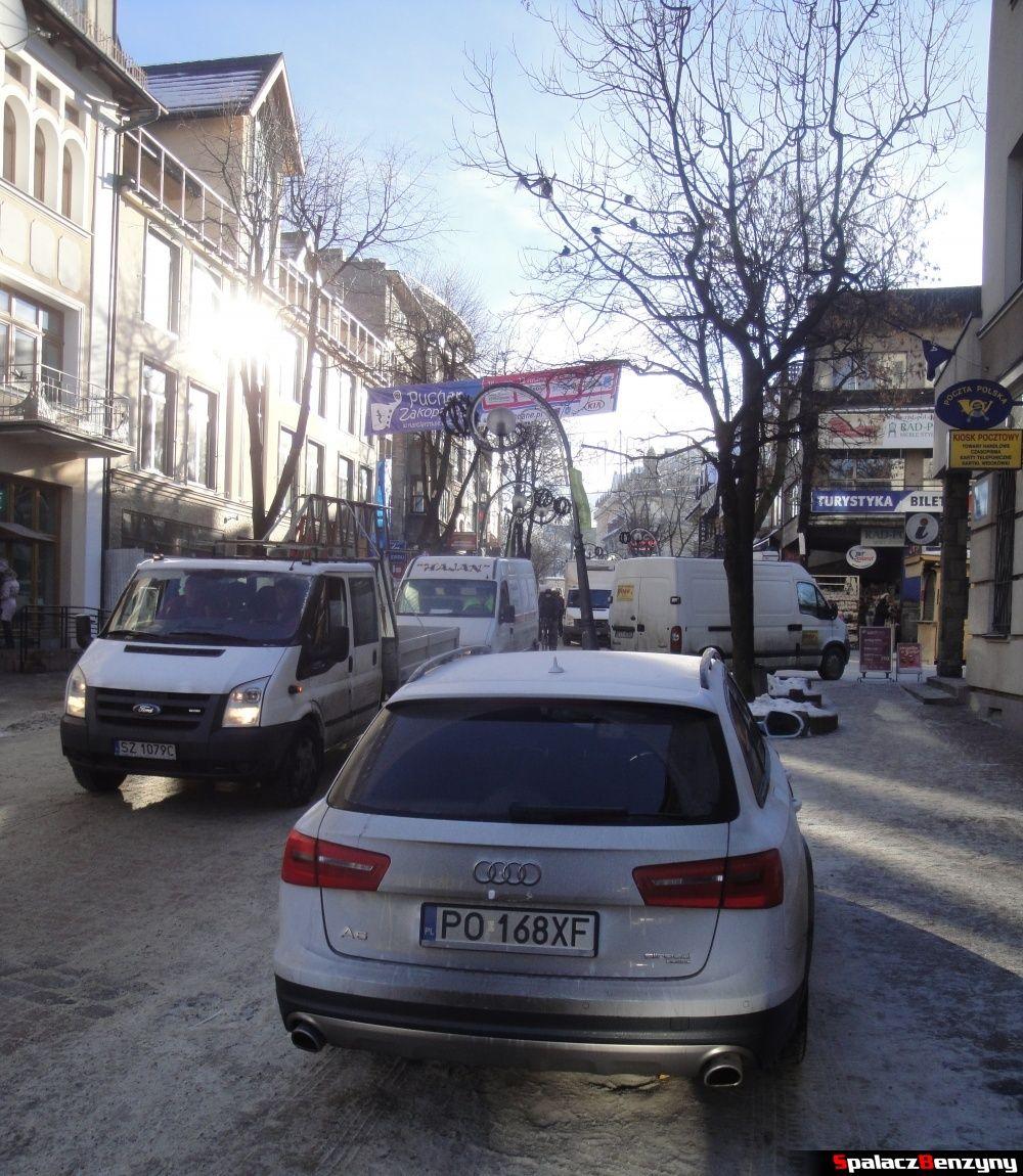 Audi A6 allroad na Krupówkach w Zakopanem
