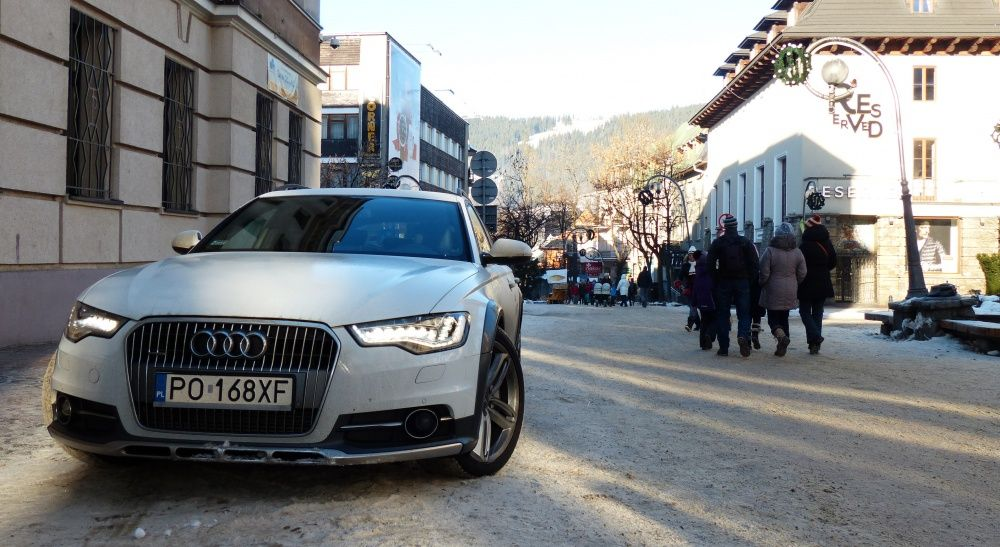 Audi A6 allroad quattro na Krupówkach w Zakopanem