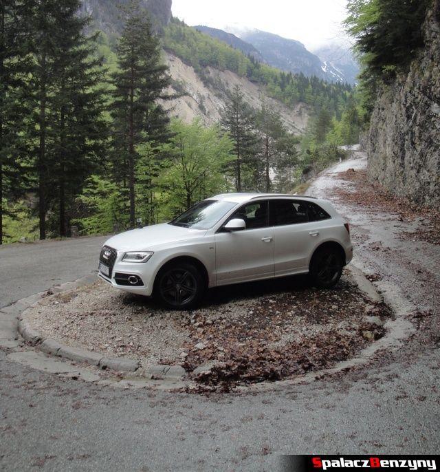 Audi Q5 3.0 TFSI na skalistym nawrocie