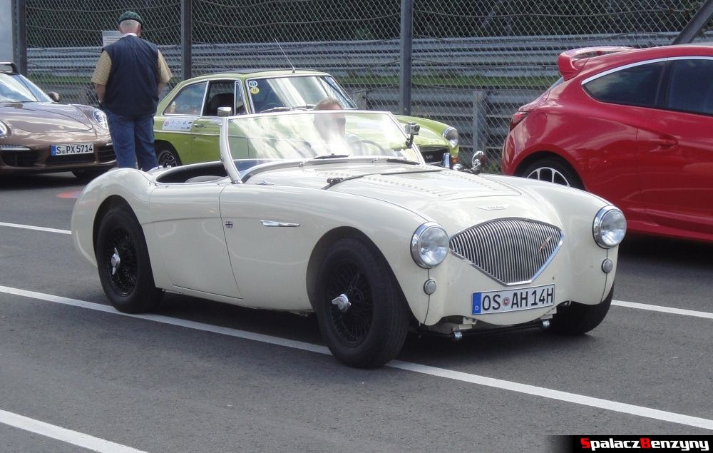 Austin Healey 100 na Nurburgring Nordschleife