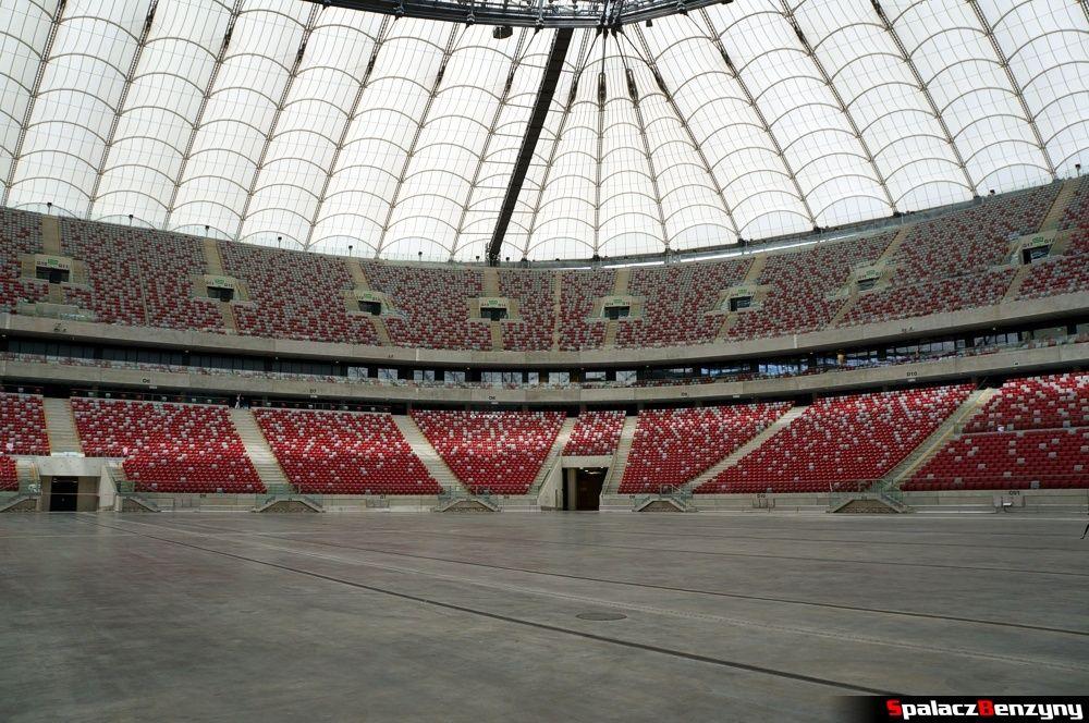 Betonowa płyta na stadionie narodowym