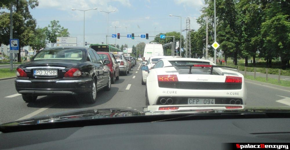 Białe Lamborghini i Porsche w Poznaniu na Gran Turismo Polonia 2013