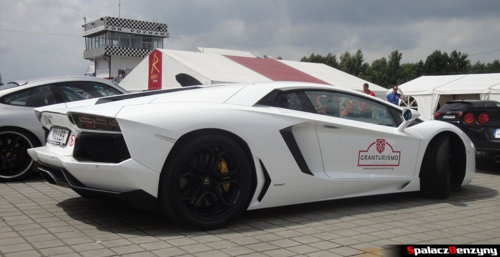 Biały Lamborghini Aventador na Tor Poznań na Gran Turismo Polonia 2013