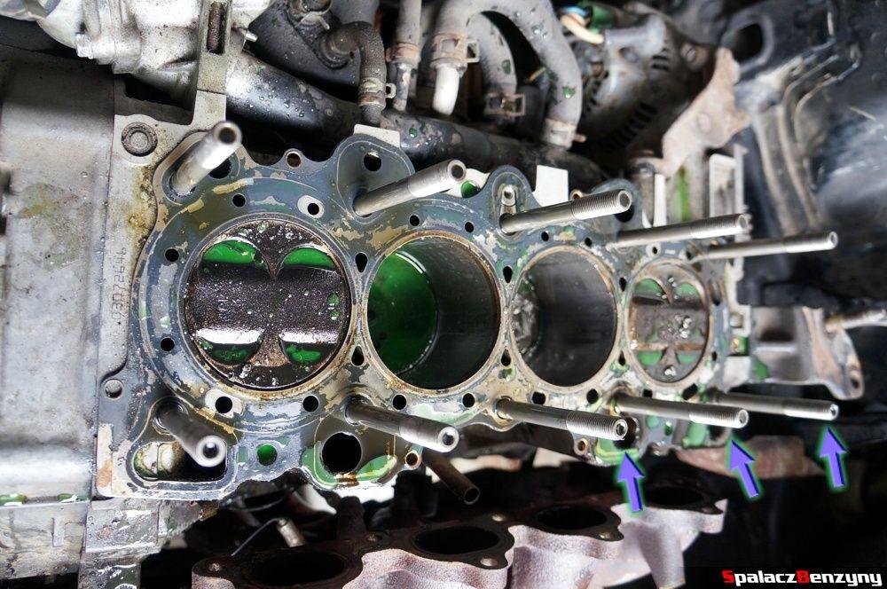 Blok silnia po zdjęciu głowicy w Honda Civic