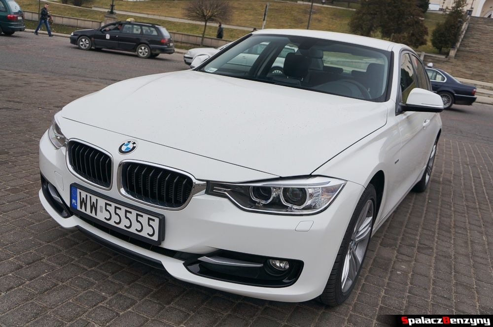 BMW 316i 2013 maska na Placu Zamkowym w Lublinie
