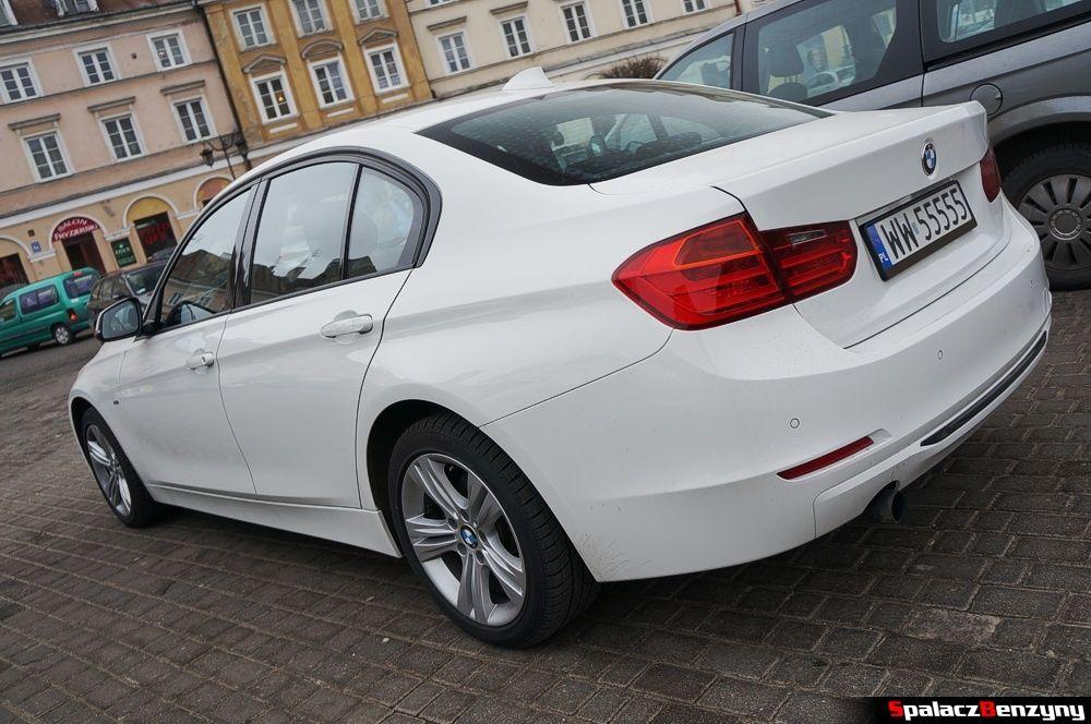 BMW 316i 2013 tył na Placu Zamkowym w Lublinie