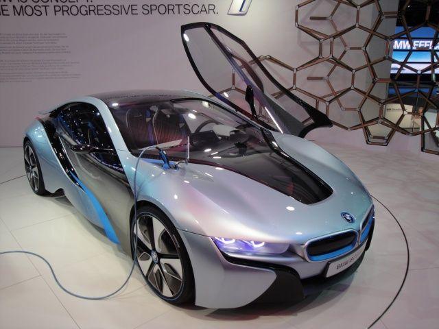 BMW i8 concept na targach Frankfurt 2011