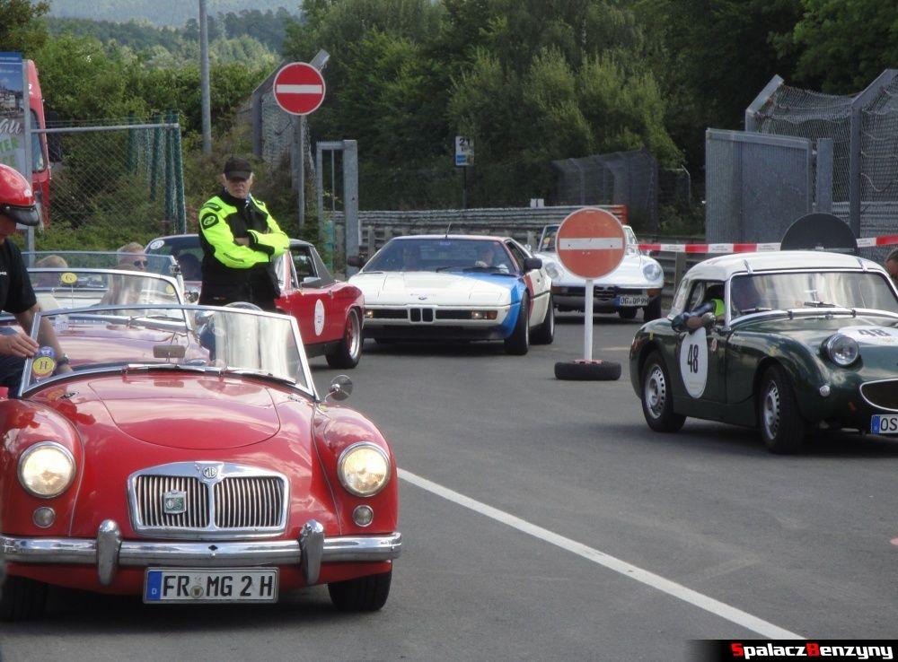 BMW M1 i klasyki na Nurburgring Nordschleife