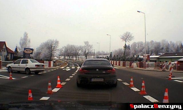 BMW M6 na drodze