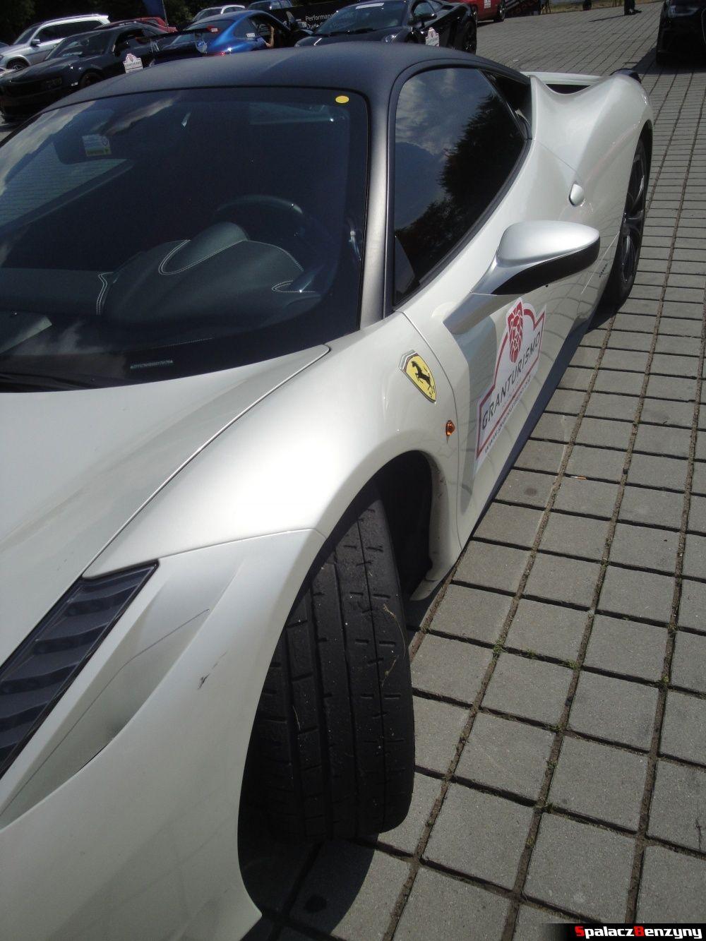 Bok Ferrari 458 Italia na Gran Turismo Polonia 2013