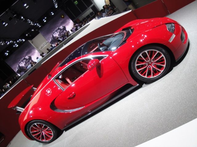 Bugatti Veyron na targach Frankfurt 2011