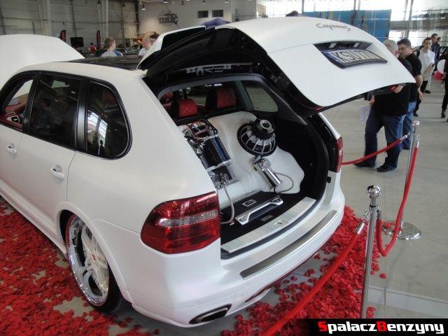 Car audio Porsche Cayenne na Autosalon 2012 w Lublinie