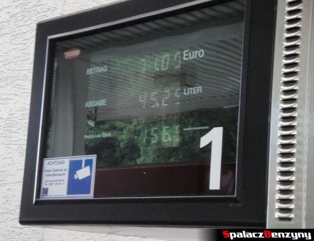 Ceny paliwa na stacji na Touristenfahrten Nordschleife na Nurburgring