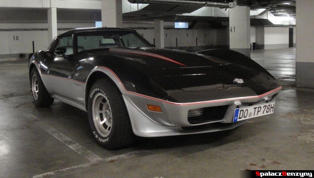 Corvette w garażu na Nurburgring Nordschleife