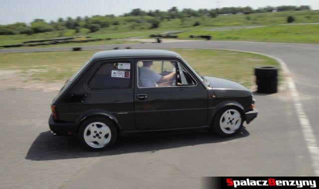 Czarny Fiat 126p na Rally Sprint żużlowy 2012 w Lublinie