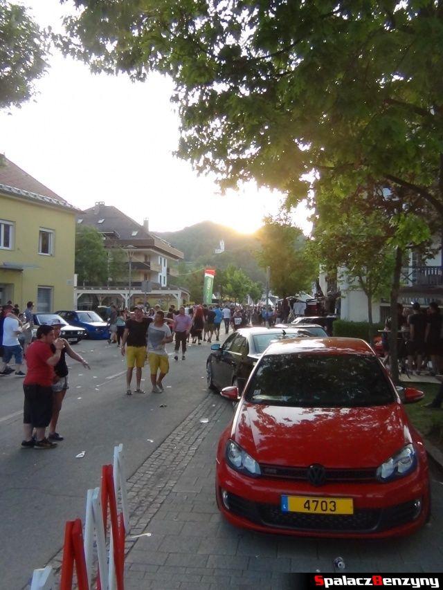 Czerwony Golf GTI w Reifnitz na Worthersee 2013