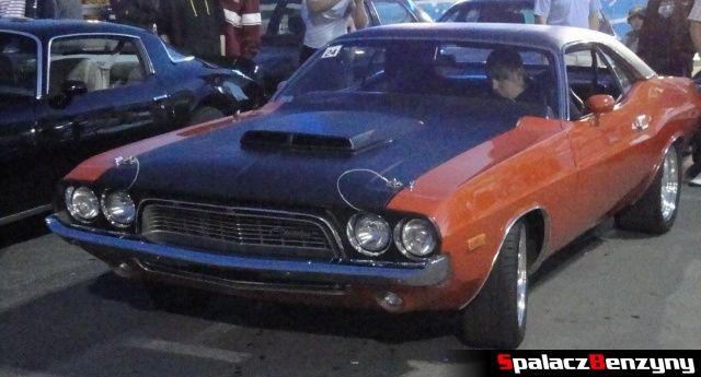 Dodge Challenger na Lubelskie Klasyki Noc�