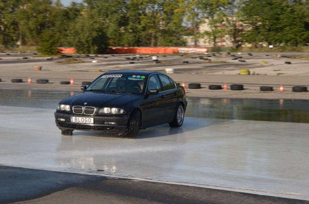 Drift BMW na Ergo Hestia Szkoła Jazdy w Krakowie