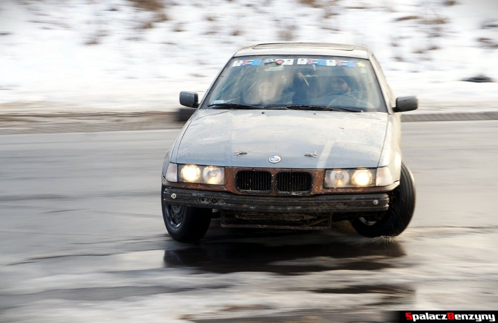 Drift BMW z bliska na treningu 8 luty 2014