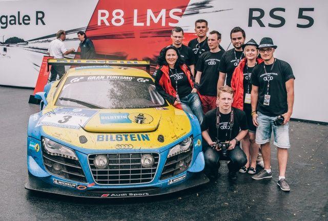 Ekipa na Worthersee Tour 2013 przy Audi R8 LMS