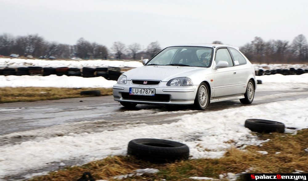 Honda Civic na śniegu na Rally Sprint 9 luty 2014