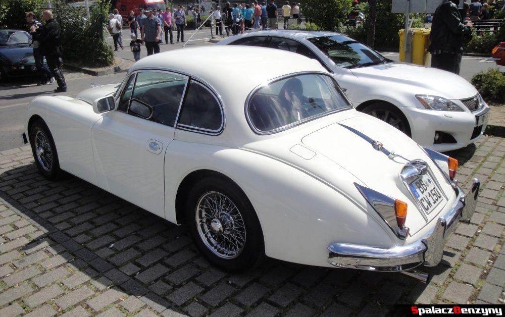 Jaguar 2-drzwiowy na Nurburgring Nordschleife