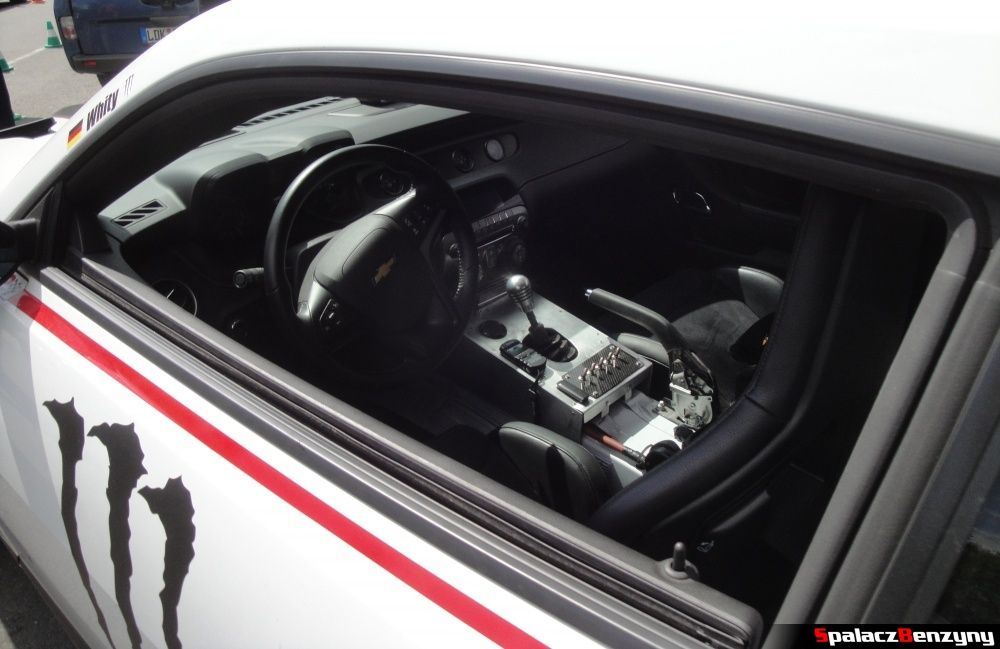Kierownica i wnętrze Chevrolet Camaro na Nurburgring Nordschleife
