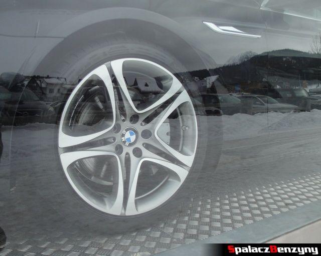 Koło BMW serii 6 640i xDrive pod Nosalem