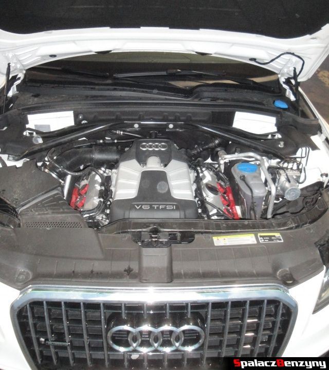 Komora silnika 3.0 V6 TFSI z kompresorem Audi Q5