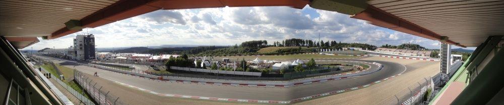 Mała Panorama toru Nurburgring z hotelu Dorint Am Nurburgring Hocheifel