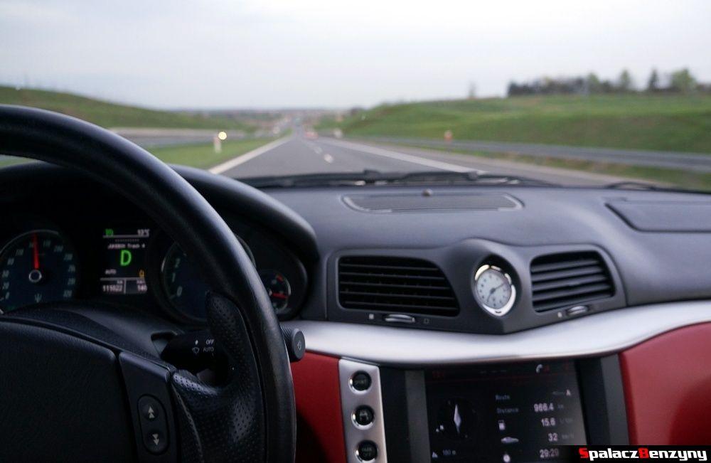 Maserati GranTurismo Jazda po drodze ekspresowej
