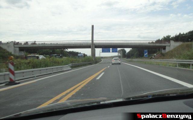 Mercedes A klasa na niemieckiej autostradzie