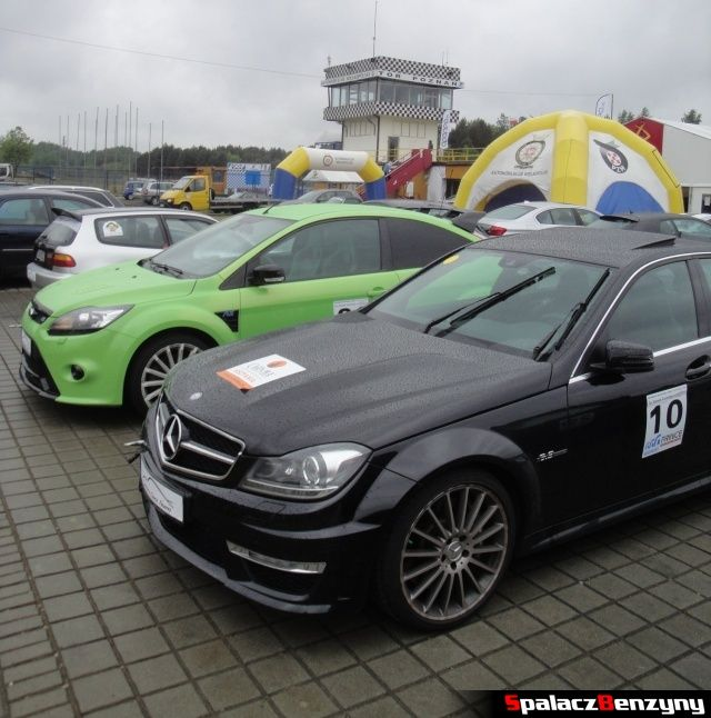 Mercedes C63 AMG i Ford Focus RS na TPTD 25 maj 2013