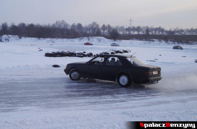Mercedes na treningu na torze w Lublinie 27 styczeń 2013