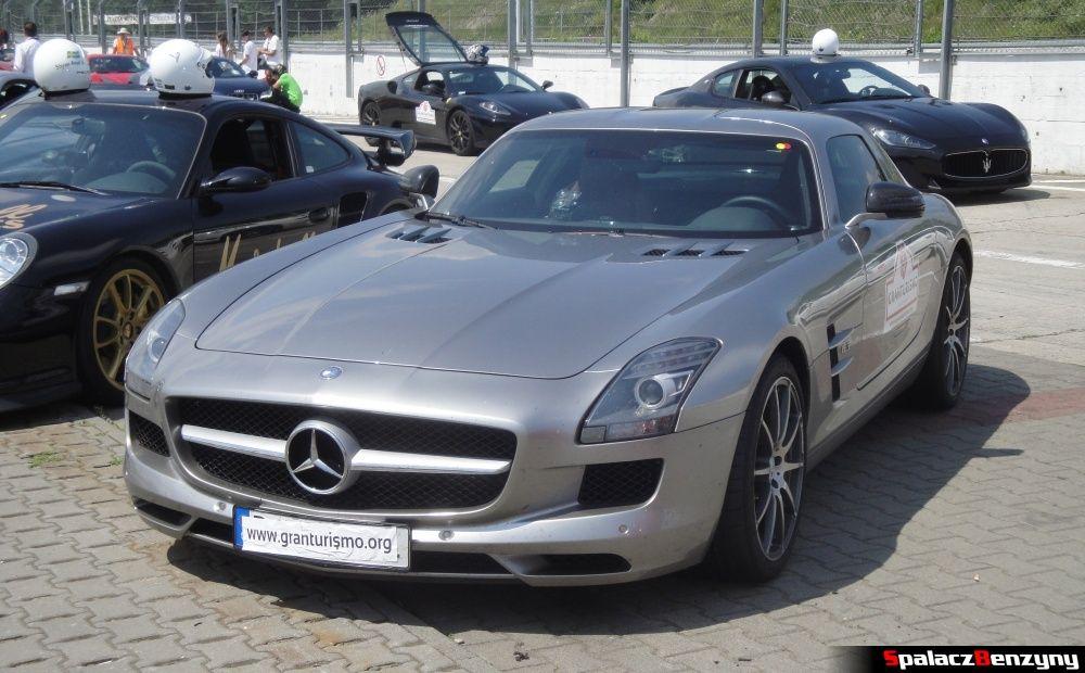 Mercedes SLS szary na Gran Turismo Polonia 2013