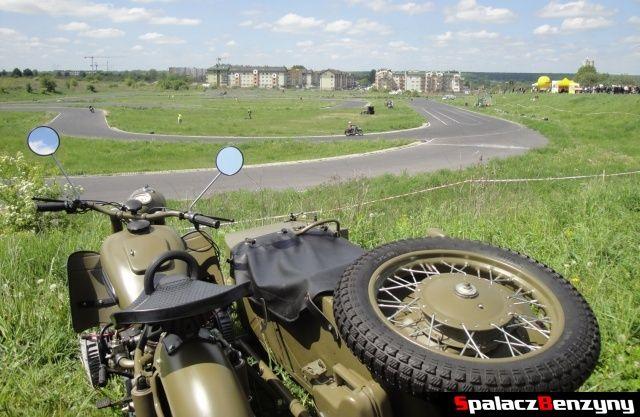 Motocykl przy torze na Super Veteran 2012 w Lublinie