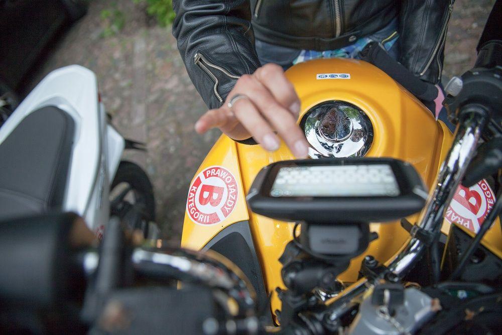 Nawigacja dotykowa TomTom na motocyklu 2