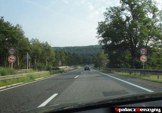 Ograniczenia i zła nawierzchnia na niemieckiej autostradzie