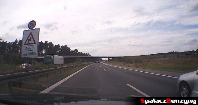 Ograniczenie 80 km/h viele Unfalle na niemieckiej autostradzie