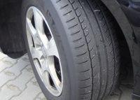 Opona drogowa Michelin na torze