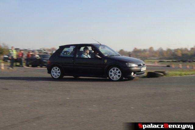 Peugeot czarny na Rally Sprint Cemex 2012 w Lublinie