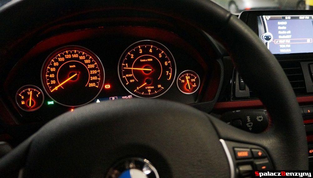 Podświetlenie liczników w BMW 316i 2013