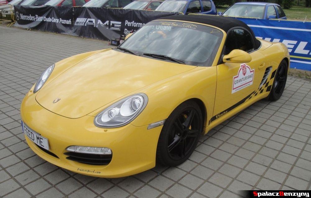 Porsche 911 żółte na Gran Turismo Polonia 2013