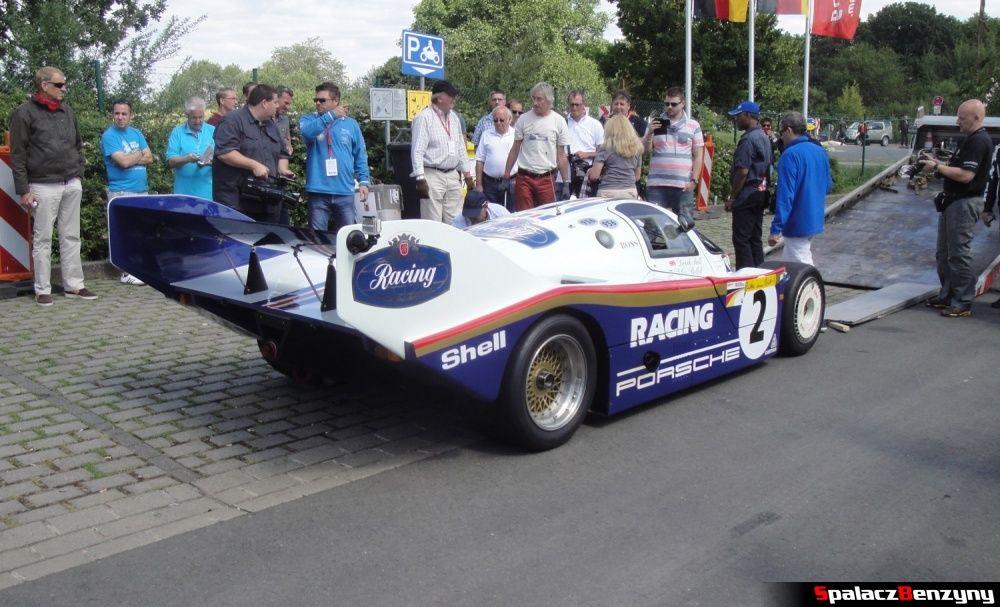 Porsche 956 po zjechaniu z lawety na Nurburgring Nordschleife
