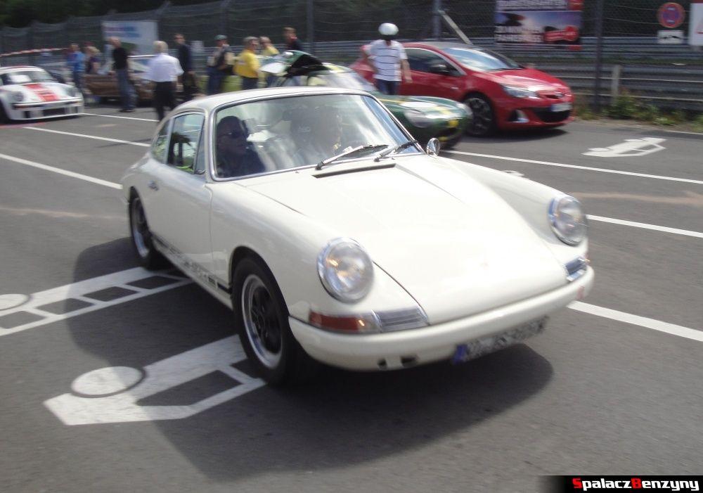 Porsche białe na Nurburgring Nordschleife