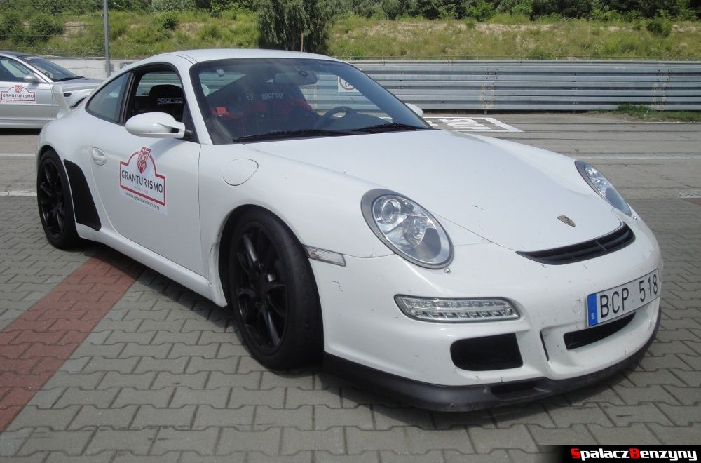 Porsche białe pit line na Gran Turismo Polonia 2013